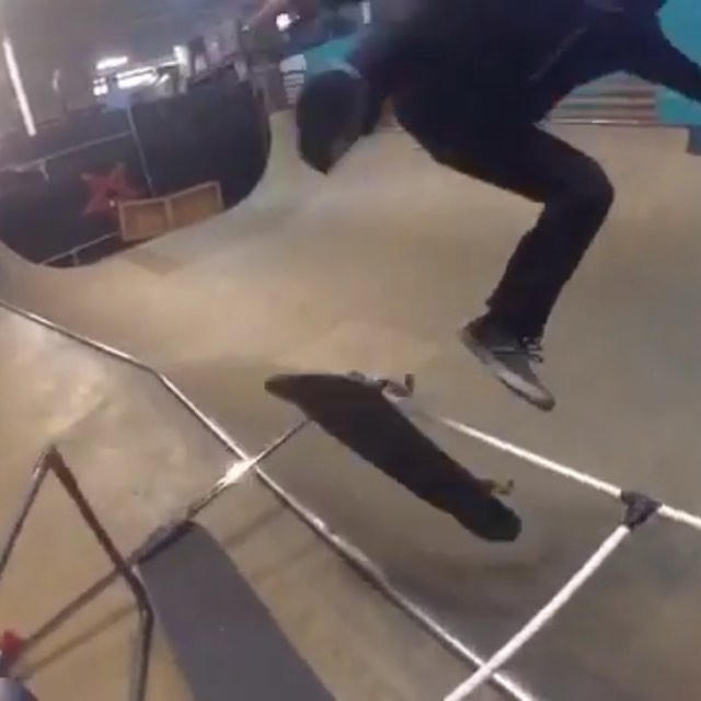 10175225 804583766352172 201766723 n - #HippyBluntFlip @daewon1song  : @cruzing...