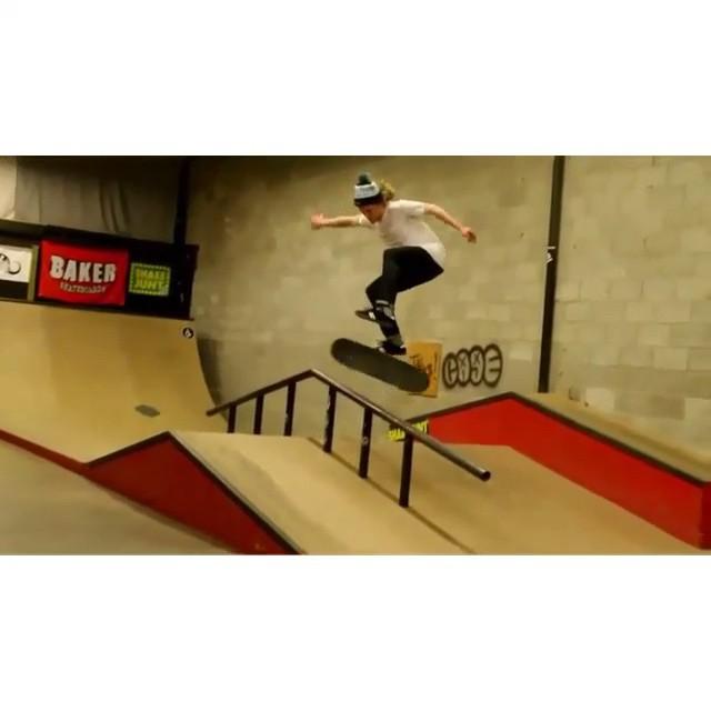 10475177 436080783217279 1262901697 n - Warming up with @patersonben at shralpin.com : @kungfukats  #Shralpin #SkateEver...