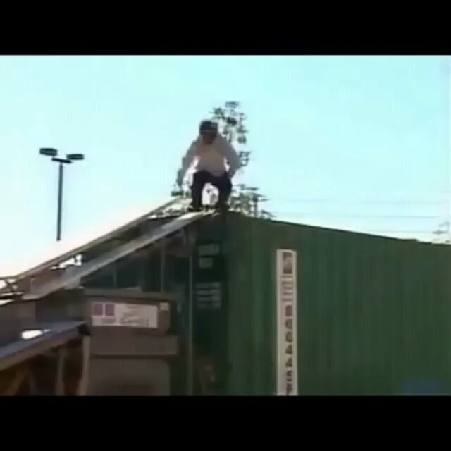 "10979578 902492836530995 1909689019 n - @Daewon1Song from @AlmostSkateboards ""Round 3"" (2004) : @SocLeal..."