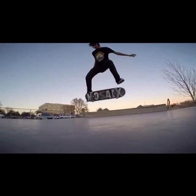 11005058 1564181430487916 1391445398 n - Good times at the park with @omarguzmanog : @sakk_attack  #Shralpin #SkateEveryD...