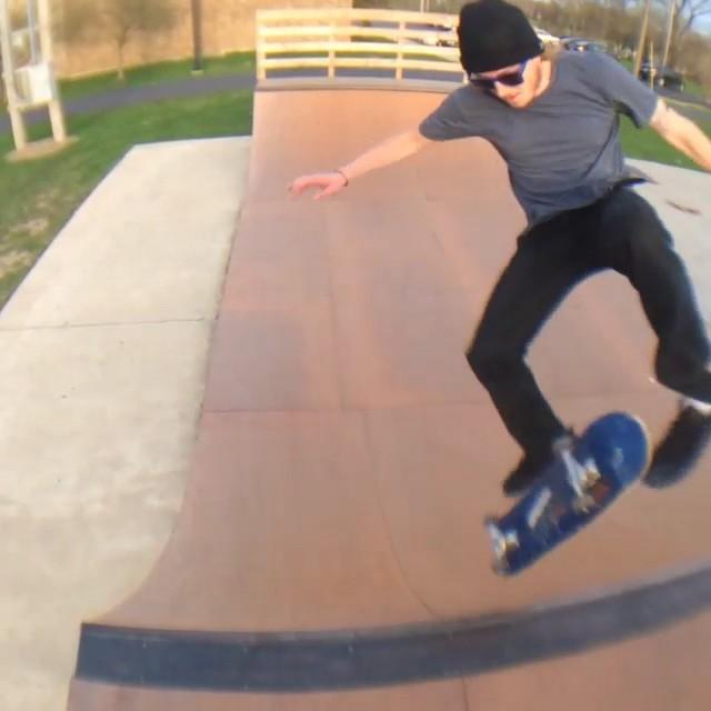 11176218 432316986941523 980619459 n - Shredding the Halfpipe at the Lima, Ohio skatepark with  @dilldozer93  #Shralpin...