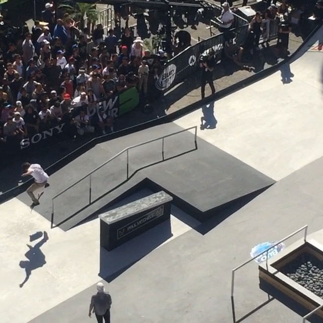 11253904 1047976808559938 1959367501 n - The #DewTour is going off and @chrisjoslin_ is throwing down bangers all day @mo...