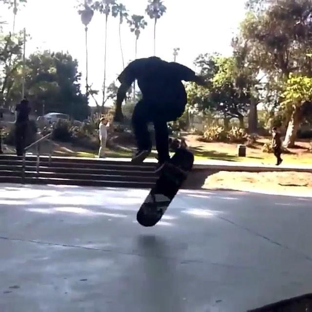 11809995 1672486899648389 197949594 n - @luismorapics  #Shralpin #SkateEveryDamnDay #SkateboardingIsFun #SkateLife...