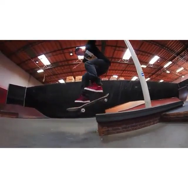 11821212 1649265068620909 2033612389 n - We have a winner of the @Berrics #2upyouup Manual contest presented by éS!  CONG...