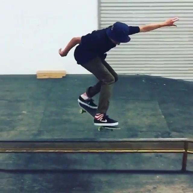 11848814 434798373375969 736378373 n - Nice line from @alexmidler  #Shralpin #SkateEveryDamnDay #SkateboardingIsFun #Sk...