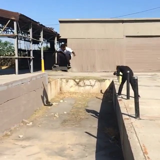 11850201 881474868604719 1440683089 n - This gap is no joke as @quel615 properly attacks it going the opposite way : @hi...