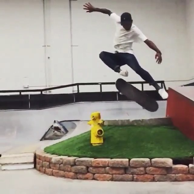 11909100 1637608336528327 170347202 n - Style matter, just ask @marcellherd and check out this sw fs flip : @princeofmon...