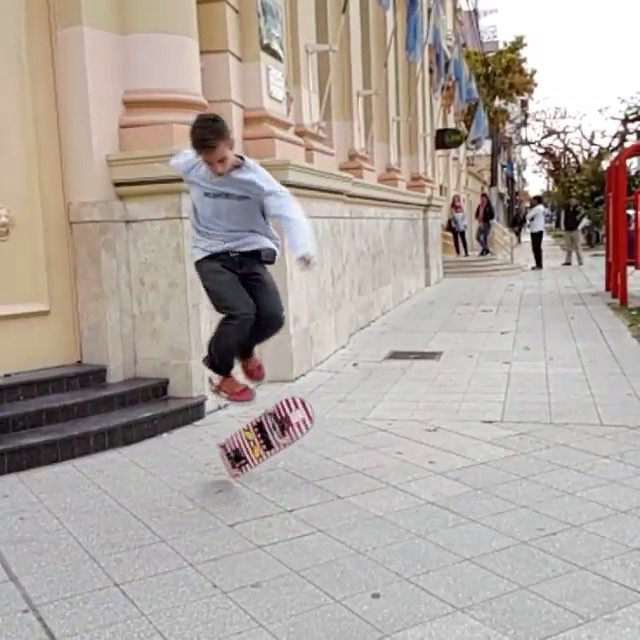 11910305 426291970907093 1696906973 n - Damn @brunobelucci is throwing down some amazing tricks. : @flipcono  Name this ...
