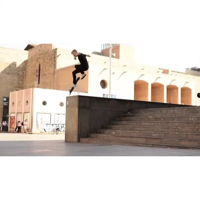 12132764 758364667619793 2071955979 n - Heavy #MACBA sesh with bangers like this from @ryzhov_andrey : @julien.unavista ...