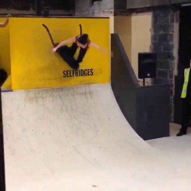 12142568 788449291276956 1849929175 n - Showing us progression at its finest with #WCW @sam_bruce_skate...