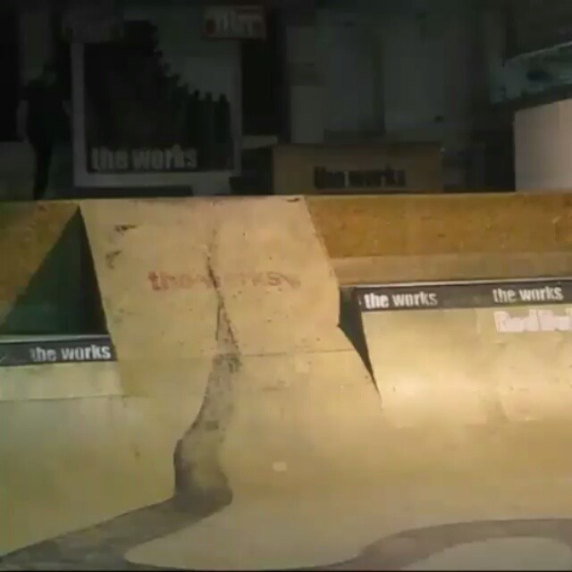 12269887 1674251232819010 1429403766 n - Fakie varialflip darkslide and blunt fingerflip darkslide from @anyskate...