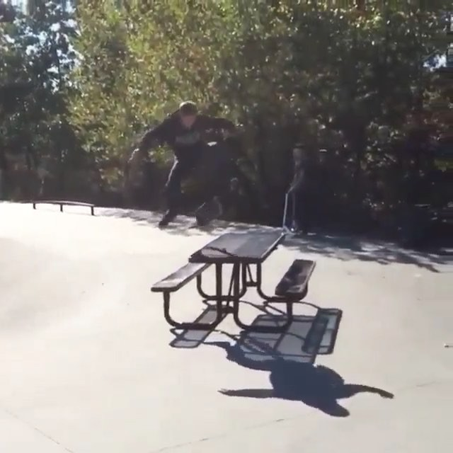 12292624 1053169178068331 871230376 n - Just a late inward heelflip/late pressure flip from @yungjello...