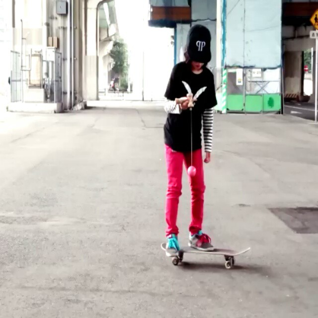 12338894 1196054430424045 1681593629 n - Isamu Yamamoto @isamuism 11years old Kendama skateboarding...