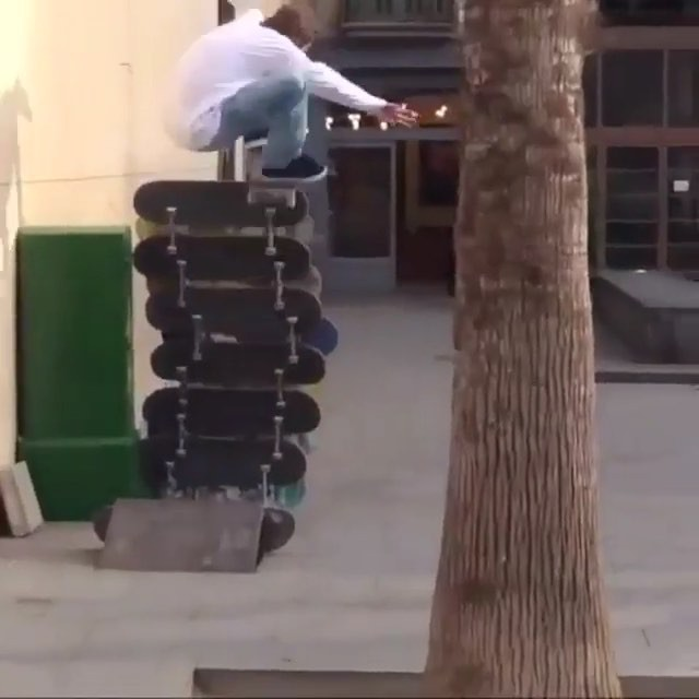 12357652 1541778309481327 1048167749 n - Damn @maxgeronzi & @freewifi15 crew have insane pop |  Repost from @freeskatemag...