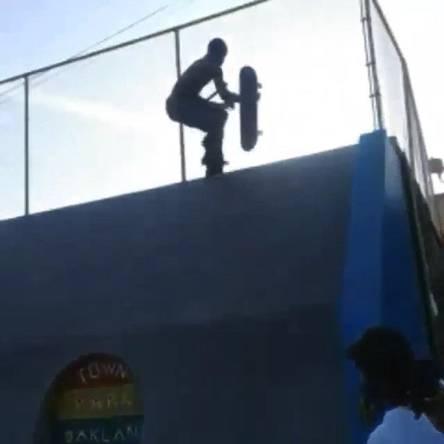 12362232 804339849674863 573015501 n - This is insane from Town Park Oakland skatepark : @hendrix_on_wheels...