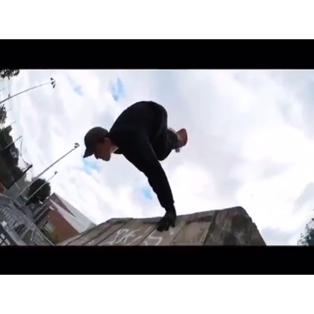 12424648 1073521922670100 249035035 n - @playdohp gettin buck at Garfield : @sam.cold via @thrashermag...