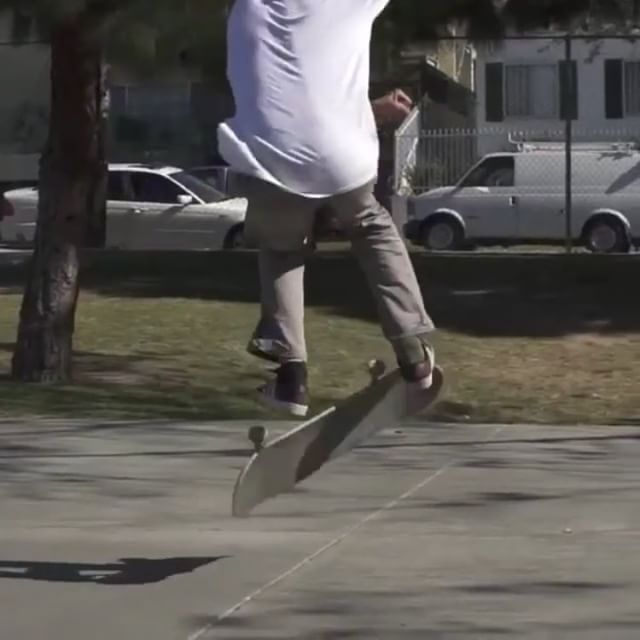12717011 585303898285962 918694417 n - Bringing in the  with @christopherchann's really switch fs 540 heelflip : @luism...