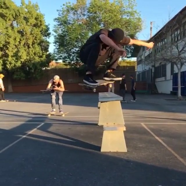 12729585 1676094309299873 906085899 n - Schoolyard fun in Temple, Ca with @freddyernst : @holdenmorse...