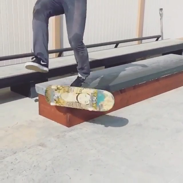 12912643 141110456283758 1158352397 n - New ledge tricks from @shanejoneill : @spanishmiketv #skateboarding...