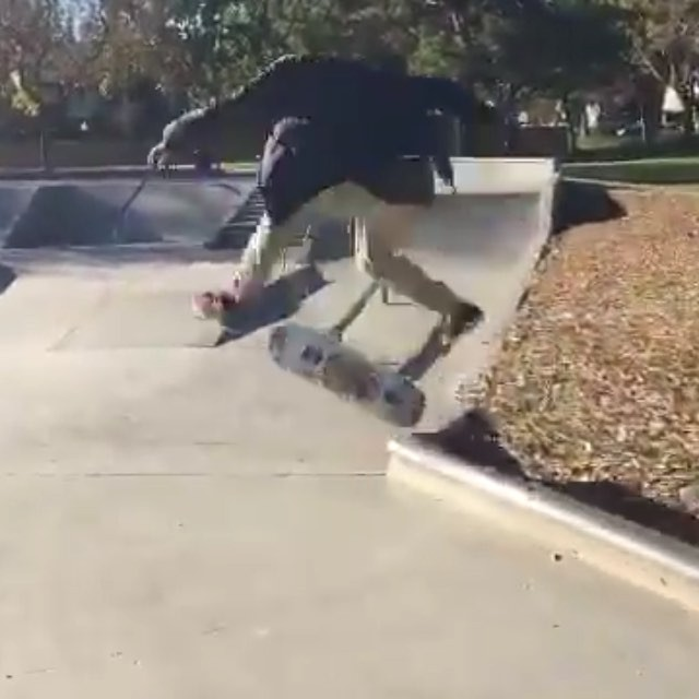 12976148 596530207179583 1129660782 n - Slappy crooks nollie inward heel out @ohwusup...
