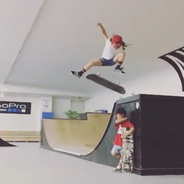 13150764 1550363841931412 822346033 n - Sky from @awsmkids showing what 7 year old girls skateboarding is looking like! ...