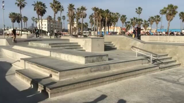 13408825 235274530190105 1962908785 n - @tjrogers paying homage to @steviewilliams at #Venice skatepark : @marshall.talb...
