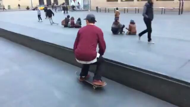 14240714 100658357061485 1019270935 n - Chill #Macba line for @joorgesimoes : @brayanalbarenga...
