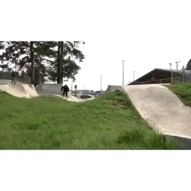 14607065 535746519955979 6058868381161881600 n - Tag someone who would skate this like @pedrobarrossk8 : @ryan_lovell...