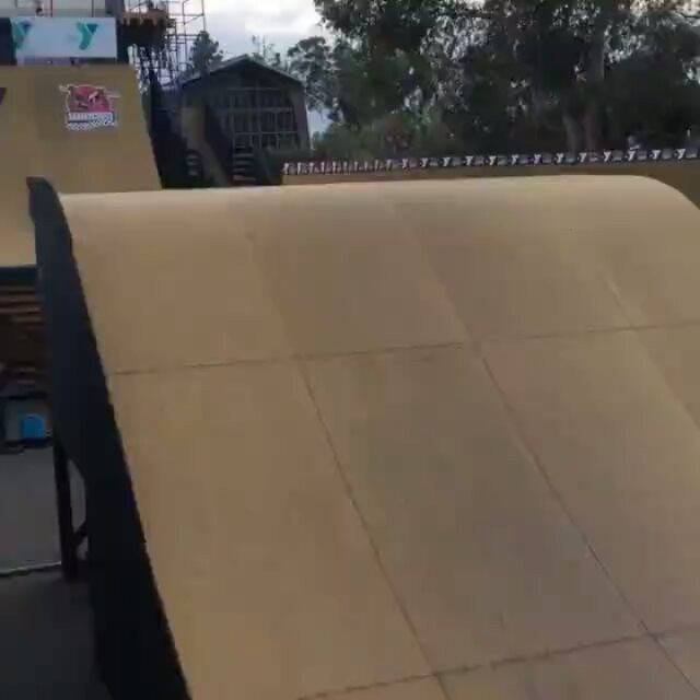 15623776 1100179023428214 5592284231003799552 n - Changing boards mid air with @mitchiebrusco...