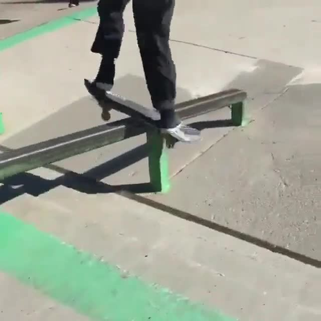 15802885 109678812868268 7834300594520064000 n - Effortless skating from @dillzzz...