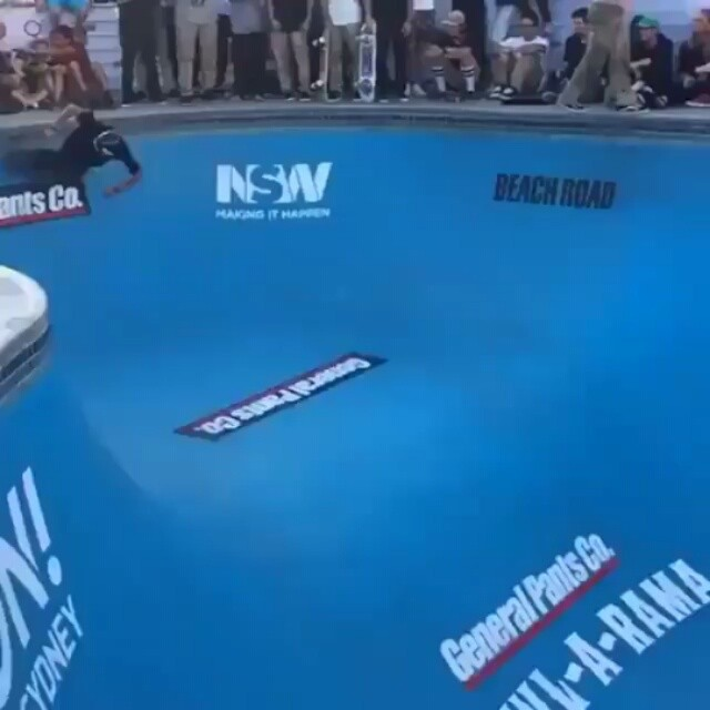 1662982 199533153767932 1702770015 n - Dog Piss by @danielcuervoskate during the @bowl_a_rama BigAir contest...