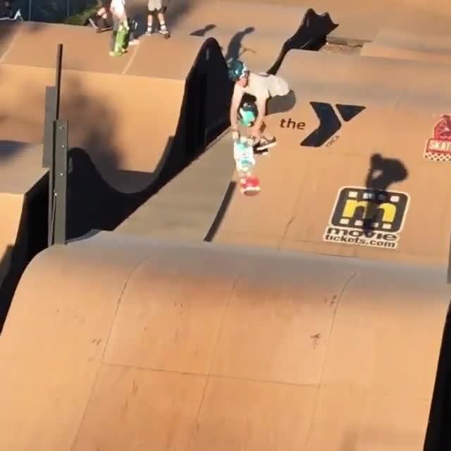 15876607 1561124783915288 8251663968494419968 n - Skate 3 with @beaverfleming...