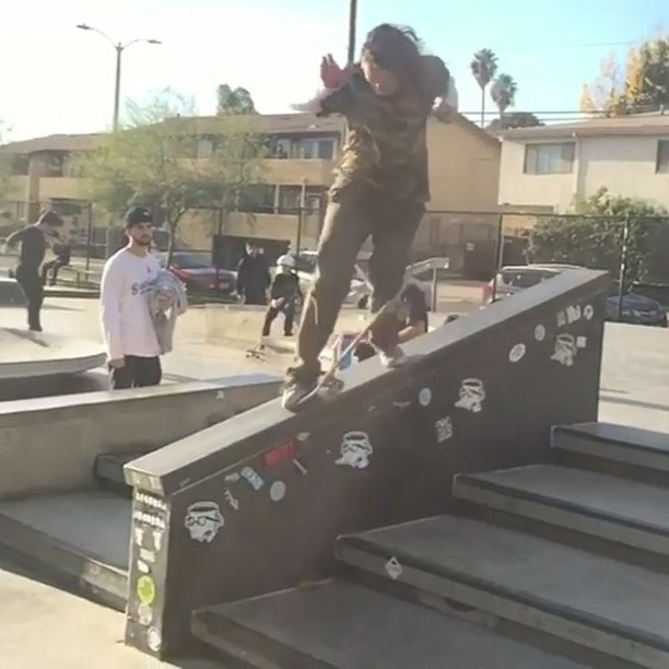 16123105 1842290246029205 4688096428675825664 n - @shawnhaleyeah with an unorthodox maneuver : @richievaldez via @birdhouseskatebo...