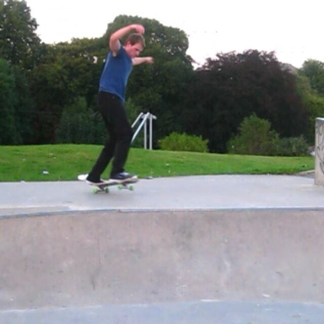 16124237 732986146877845 4936330347085299712 n - A few combos from @anyskate at Micklefield park : @mama_treehugger for help film...
