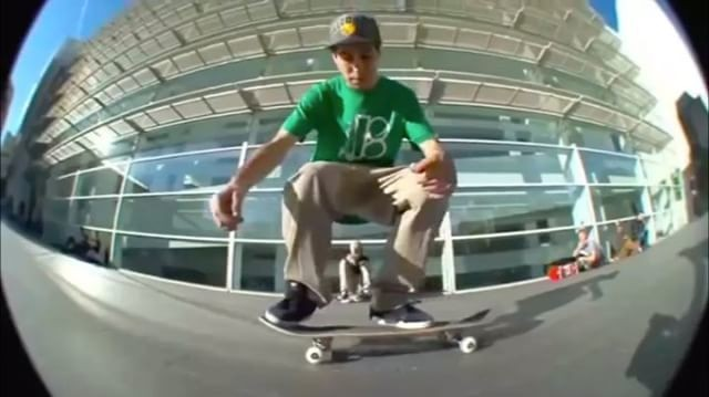 17586982 1670521906308200 7281649934019854336 n - Flatground tricks with @cristian_vannella   : @frankibravo...