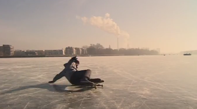 A Perfect Day at the Bay: Skating a Frozen Bay in Berlin