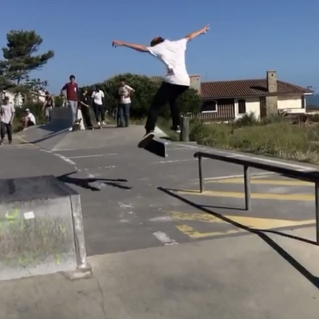 18252929 287110738404190 7628275364132814848 n - Another mindbender from @skategustavo : @instatiago...