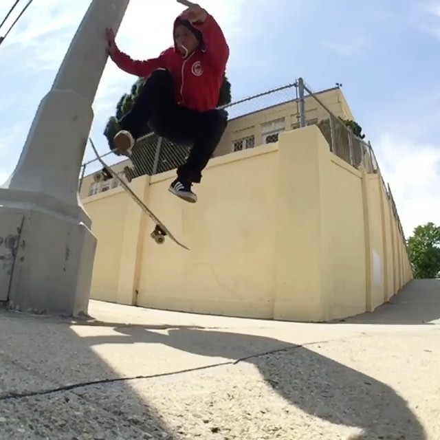 18947923 375728126162942 1640232423906082816 n - It's a pleasure watching @daewon1song put together footy like this : @cruzing...