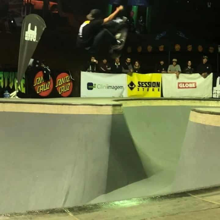 41557331 547427475716021 4334587893626167701 n - Fs kickflip stalefish ️ @hericlesfagundes over this big channel at the classic U...