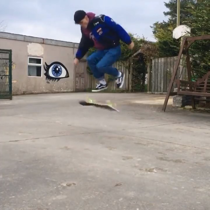 73480799 177018760157463 5601639701188419608 n - Amazing featherflip late tré by @_jamiegriffin...