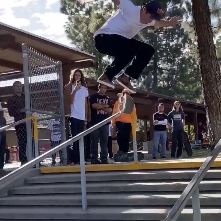 75324257 151373736091345 3481608636500386327 n - @alexmidler laying it all down at @thrashermag's trouble at the double...