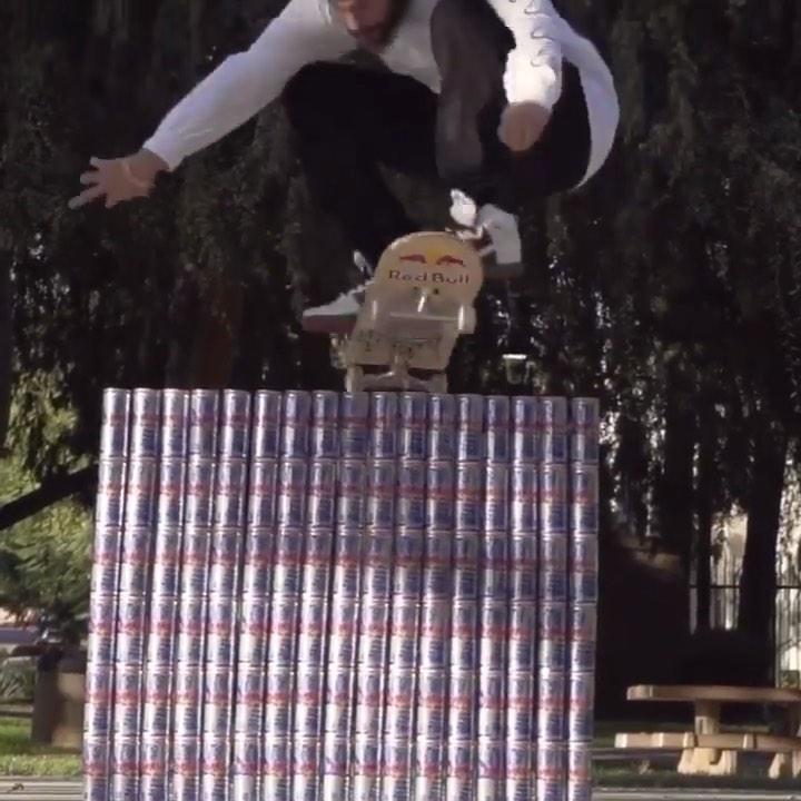 Poppin' over 102 cans by @toreypudwill : @aleks_lewandowski…