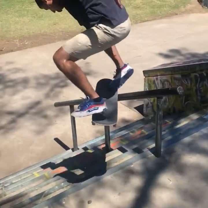 Turning Dreams Into Reality @_alltimerz   : @emiriveral #shralpin #skateboarding…