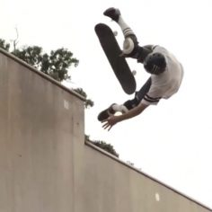 Did @stew_bacca really just kickflip andrecht up the extension to fakie on  his …