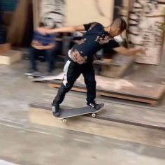 Style for days from @shaysandiford #shralpin #skateboarding…
