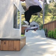 Hardflip front nose on the penny by @visit_ryangallant…