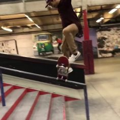 Front blunt bs flip out by @vinniebanh : @steven_sk8life dad…