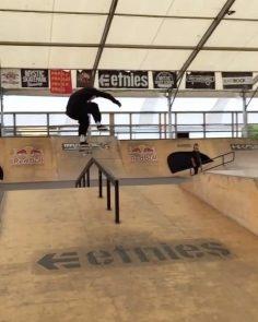Getting tech with @kristianngu : @honza.jan.maly #shralpin #skateboarding…
