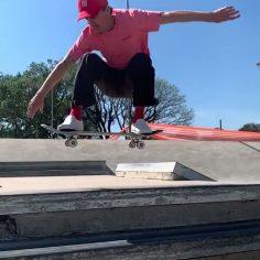 Got pop? @lucasxaparral does! : @pamelarosaskt #shralpin #skateboarding…