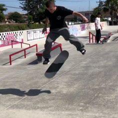 Perfection  @yurifacchini #shralpin #skateboarding…